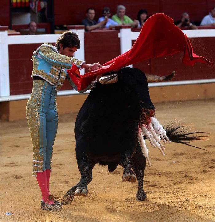 Tarde de buenas faenas y salida a hombros de Castella y De Juso en Soria