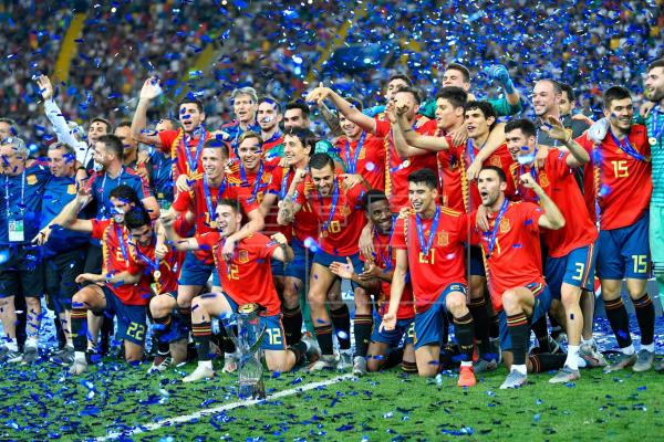 2-1. España se venga de Alemania y conquista su quinta corona europea
