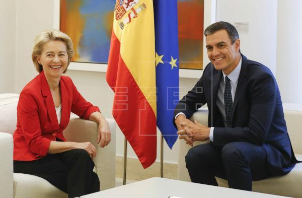 Sánchez y Von der Leyen hablan de los retos de UE en su encuentro en Moncloa