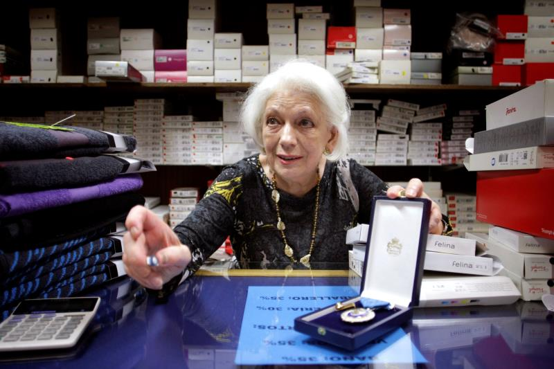 Se jubila a los 78 años Loli, la mujer que más tiempo ha cotizado en España