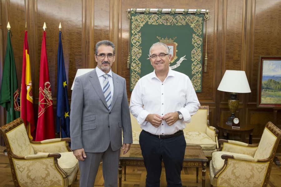 El alcalde de Pamplona recibe al presidente de la Asociación de Trabajadores Autónomos de Navarra