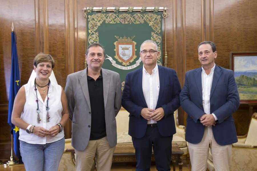 Maya se reúne con representantes de la Asociación de Periodistas de Navarra