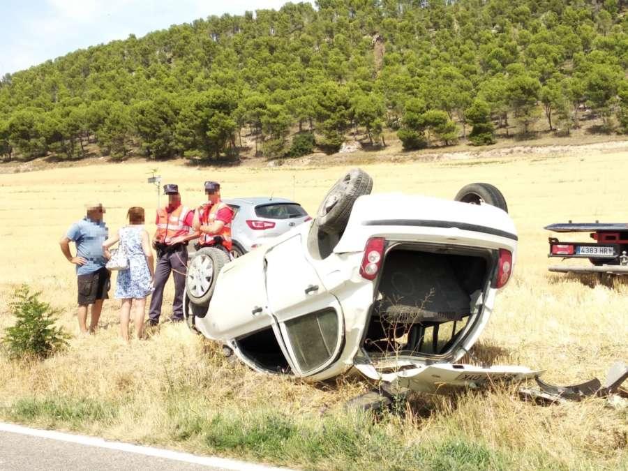 Una conductora herida al volcar su vehículo en el término de Falces (Navarra)