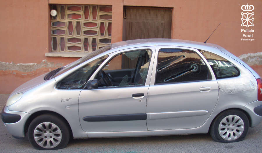 Destrozan un coche tras una discusión de tráfico en Mendavia (Navarra)