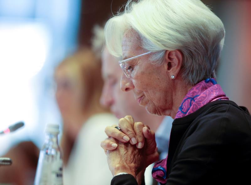 Lagarde (BCE) pide potenciar la demanda interna y revisará la política monetaria