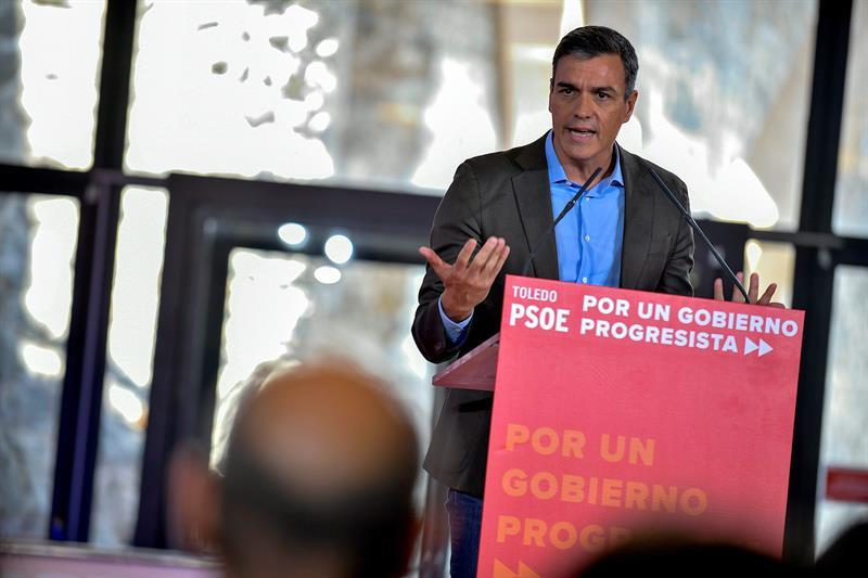 Sánchez pide a Podemos que dé