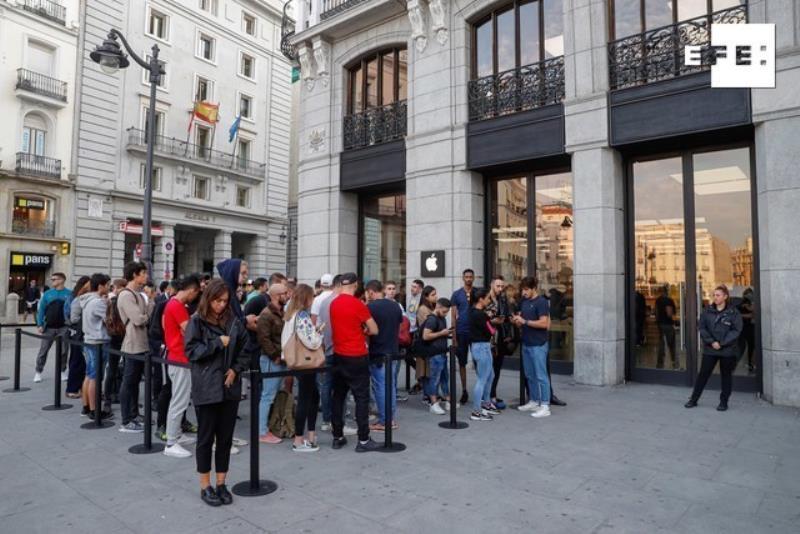 Las colas vuelven a las tiendas de Apple de la mano del iPhone 11