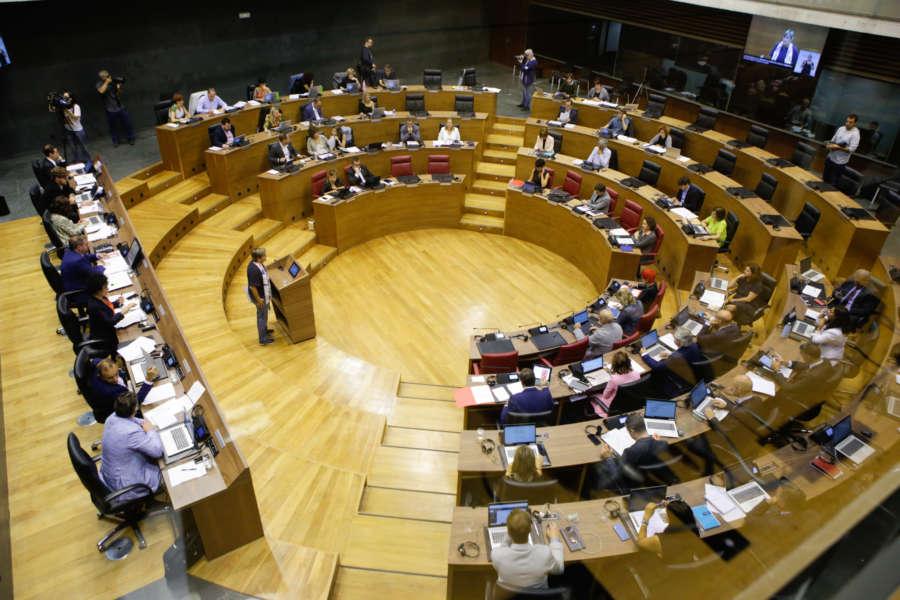 El Parlamento de Navarra rechaza el acuerdo entre la FEMP y el Gobierno de Sánchez