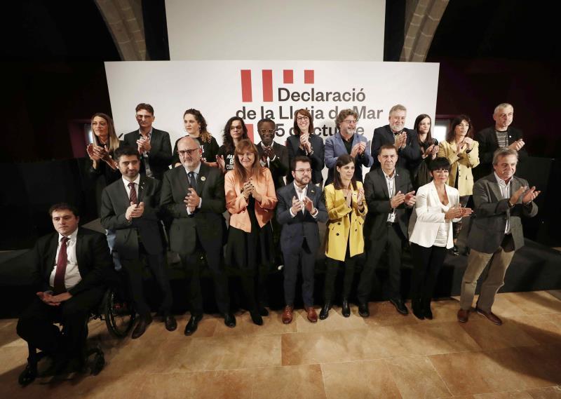 Proceso: Los partidos nacionalistas firman un manifiesto para negociar la autodeterminación