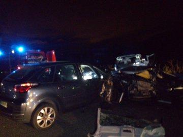 Un muerto y 3 heridos en un accidente con un vehículo en dirección contraria en Navarra