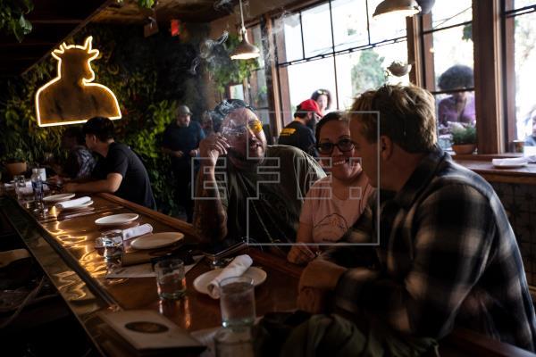 Abre sus puertas el primer café y restaurante a base de marihuana en EE.UU.
