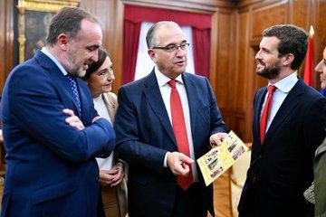 """10N: Casado asegura que la """"prueba del algodón"""" del PSOE está en Navarra"""
