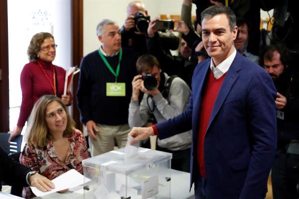 Sánchez espera una alta participación que legitime los resultados electorales