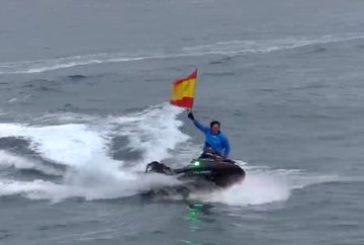 Álvaro de Marichalar recala en Motril en su vuelta al mundo en moto acuática