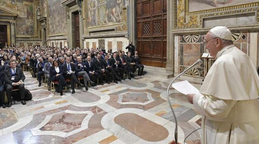El Papa anuncia que la Iglesia planea introducir en el catequismo