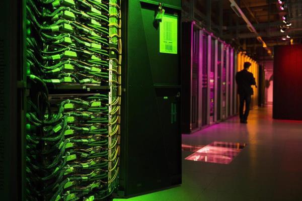 La banca española fía a cuatro grandes tecnológicas los datos de sus clientes