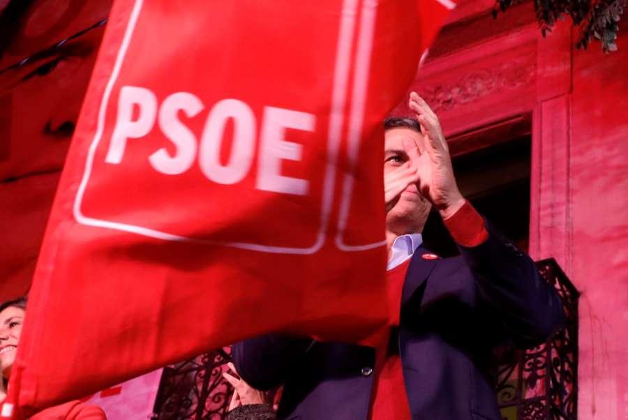 Sánchez reconoce la Monarquía Parlamentaria