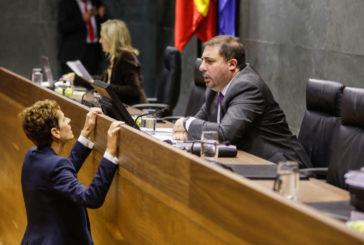 El presidente del Parlamento de Navarra recibe el proyecto de Presupuestos para el año 2020
