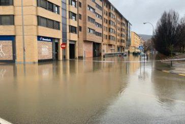 Inundaciones en diversas zonas de Navarra y una mujer evacuada en Villava