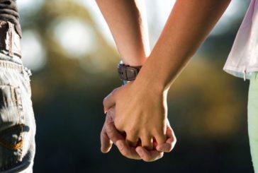El Gobierno de Navarra recomienda a las parejas estables no casadas formalizar su situación ante notario