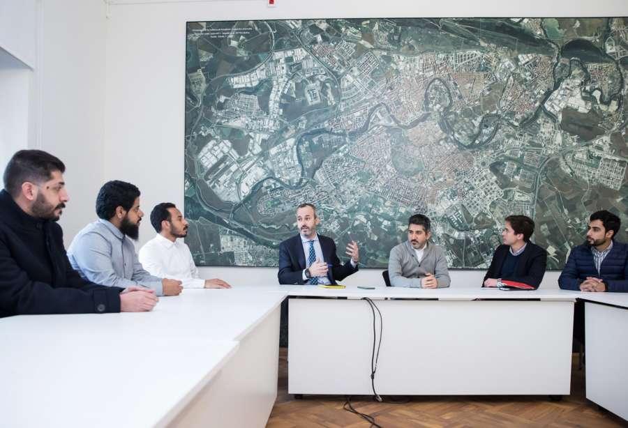 Especialistas en urbanismo de Arabia Saudí visitan Pamplona para conocer su modelo de ciudad sostenible