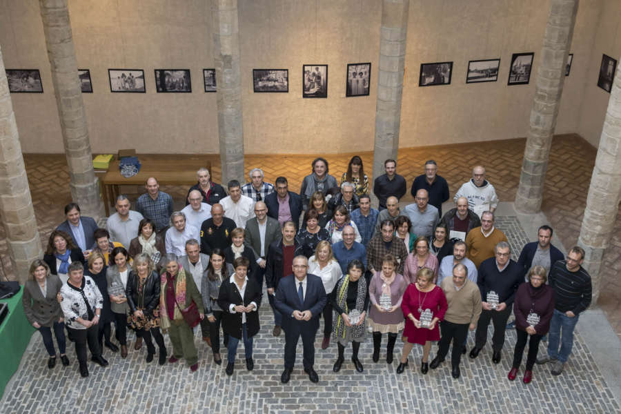 El Ayuntamiento de Pamplona homenajea a 65 trabajadores jubilados en 2019