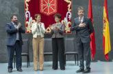 Luis Ordoki recibe la medalla de la Cámara de Comptos