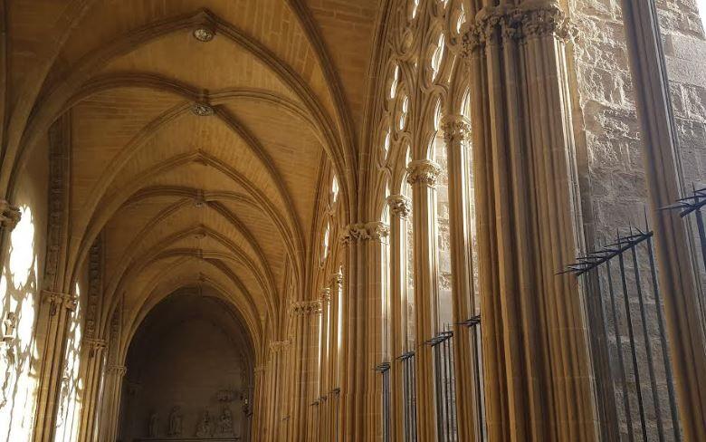 El claustro de la Catedral de Pamplona presenta su restaurada imagen tras cinco años de trabajos