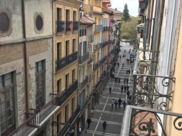 Navarra Suma insta a Mancomunidad a implantar líneas de autobús eléctrico en el Casco Antiguo