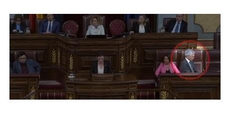 Suárez Illana da la espalda a Bildu en su discurso proetarra en la investidura de Sánchez