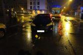 Una conductora ebria se sale de la vía en Pamplona y choca contra un semáforo