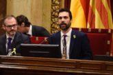 El Parlamento de Cataluña retira el escaño a Torra