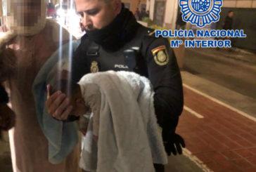 La Policía Nacional salva a un bebé tras 20 minutos de reanimación