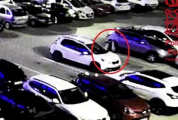 Detenido por rayar un coche tras una discusión en un parking de Pamplona