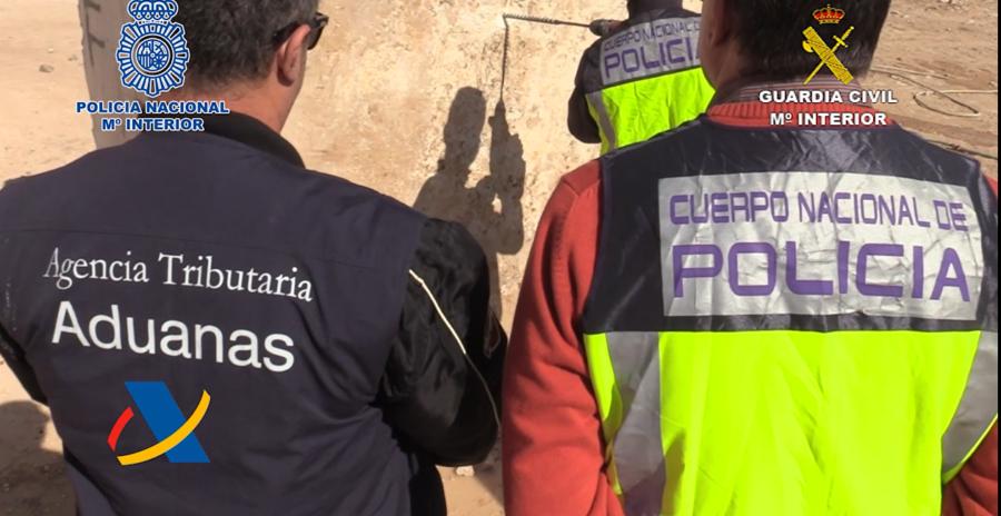 Detenidos por introducir metanfetamina oculta en bloques de mármol (vídeo)