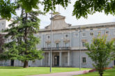 La Universidad de Navarra finalizará el curso para los alumnos de Grado con clases y exámenes on line