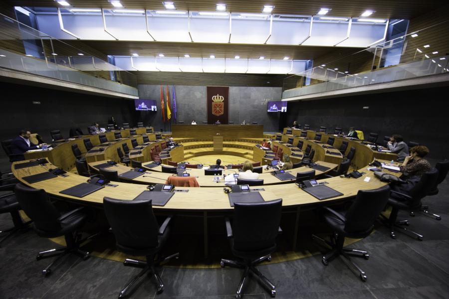El Parlamento de Navarra aprueba una dotación de 51 millones para medidas ante el coronavirus