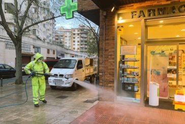 El Ayuntamiento de Pamplona ha utilizado para limpiar la ciudad 3.400 litros de desinfectante desde que se declaró el estado de alarma