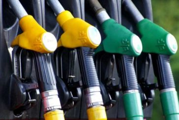 Los carburantes llevan a la mayor caída de los precios desde 2016 por el coronavirus