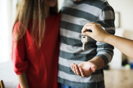 La línea de créditos para el pago del alquiler de vivienda habitual ya está plenamente disponible