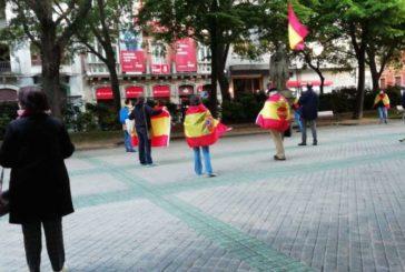 Cacerolada protesta pide