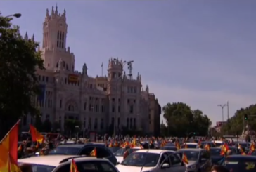 Miles de coches en Madrid en una concentración de Vox, que el PP