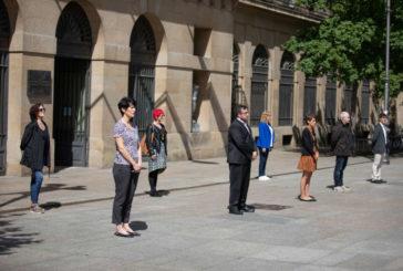 Coronavirus: Concentración silenciosa del Gobierno de Navarra