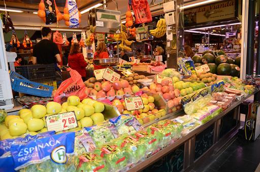 Los hogares incrementan sus compras de alimentos en supermercados y tiendas tradicionales