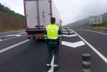 Sin heridos en una colisión trasera entre un camión y un turismo en la N121