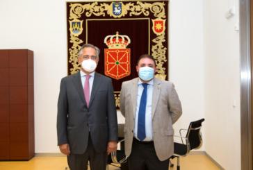 El Presidente del Parlamento recibe a Juan Miguel Sucunza, nuevo presidente de la CEN