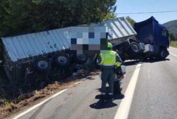 3 heridos en accidente entre un camión y un turismo en Lanz (Navarra)