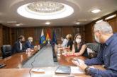 Canarias se suma a Galicia a la prohibición de fumar en la calle e impone la mascarilla obligatoria