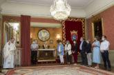 El Ángel de Aralar visita la Casa Consistorial tras su llegada a Pamplona