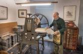José Antonio Eslava dona al Museo de Navarra su taller de estampación